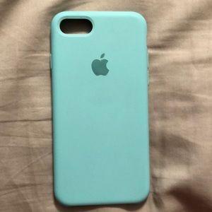 Turquoise iPhone 7 case